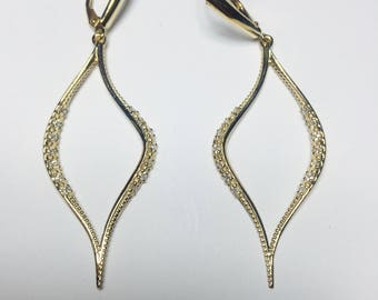 Beautiful 14K Yellow Gold Wave diamond Earrings