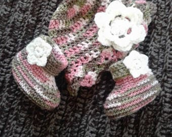 Flower Hat & Bootie Set. Size 0-12mo