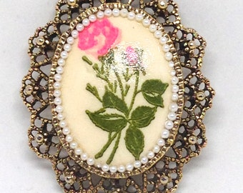 Vintage Estate Painted Rose Flower Cab Faux Pearl Gold Tone Brooch