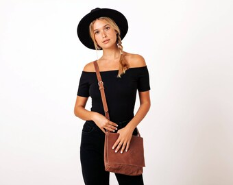 Leather Crossbody Purse, Personalized Bag, Small Crossbody Bag, Travel Bag, Messenger Bag Women, Cross Body Bag Leather, Handmade Bag