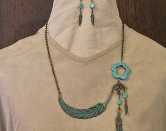 2pc Set Curved Feather Necklace