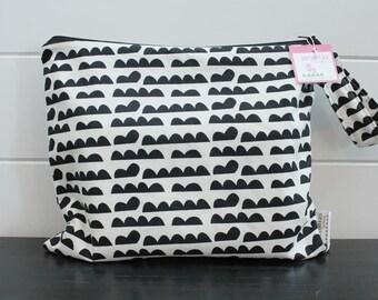 Wet Bag wetbag Diaper Bag ICKY Bag wet proof monochrome black gym bag swim cloth diaper accessories zipper gift newborn baby kids beach bag
