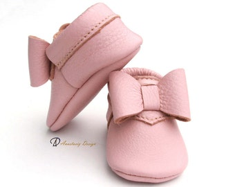 Baby Moccasins Leather Baby Moccasins  Desert Rose Bow Leather Baby Moccasins Baby Girl Moccasins Toddler Moccasins  Pink Baby Girl Shoes