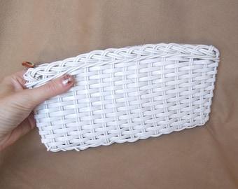 Small White Purse, Vintage Clutch Purse, White Woven Clutch, Woven Plastic, Small White Clutch, Evening Bag, 60's 70's, Cute Summer Purse