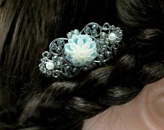 Chrysanthemum Hair Comb, Blue Flower Hair Comb, Resin Floral HairComb, Bridal Jewelry, Wedding Accessory, Bridesmaid Gift, Teacher Gift