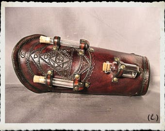 Brown leather bracer - Alchemist I