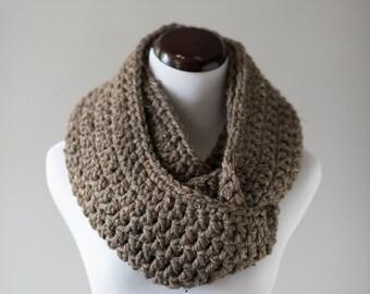 Infinity Scarf // Chunky Barley Brown Infinity Scarf // Handmade Knitwear // Women's Infinity Scarf // Winter Accessories // Crochet Scarf