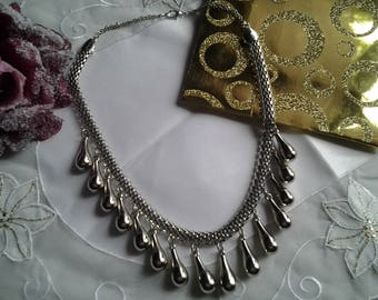 Pearl drops and snake chain necklace