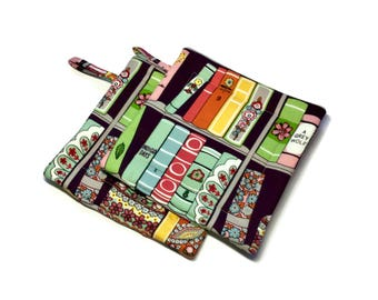 Handmade Quilted  Pot Holders Book Lovers set of 2 Library Book Shelves