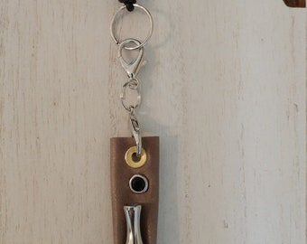 Vape pen cocoa brown leather holster on necklace keeps oil pen vertical
