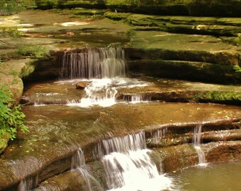 Giants Bathtub Falls in Matthiessen State Park, Illinois