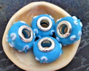 2 Eurpeennes blue flowers 15 mm white Lampwork Glass Beads