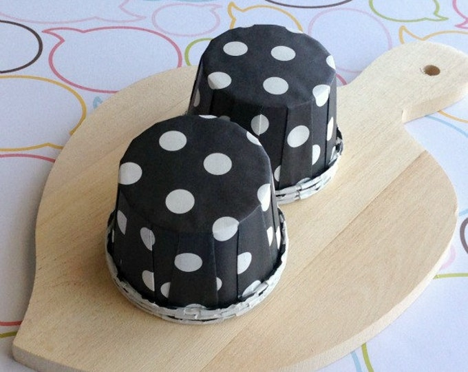 25 Polka Dots Black Baking Cups