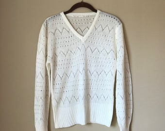 Vintage 1970s White V Neck Open Weave Light Weight Sweater