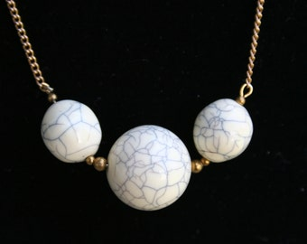 1950s Gray Veined Bead Necklace