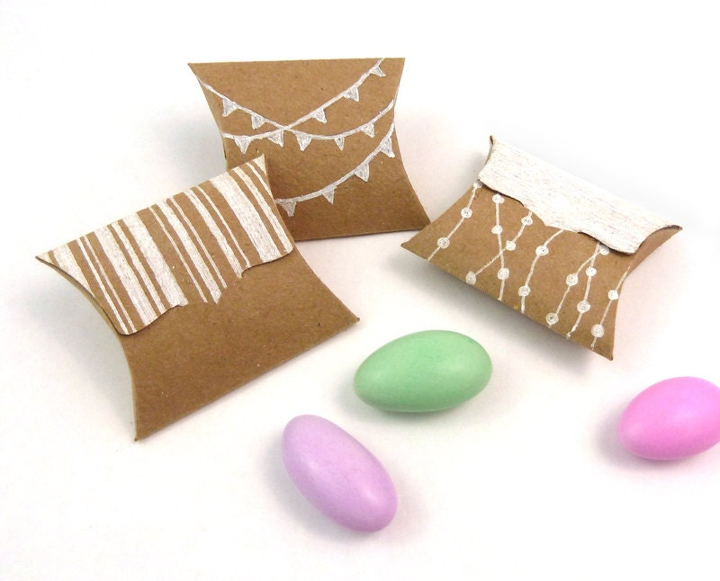 Tiny Pillow Boxes 20 DIY Recycled Kraft mini favor boxes