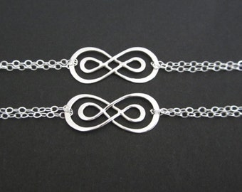 Four Bridal Bracelet Set. Sterling Silver Eternity Knot Bracelets. Stering Silver Jewelry. Wedding Gift. Bridemaid Bracelets. Set of Four