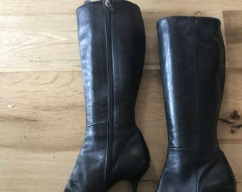 Women's Pointed Toe Black Leather Boots