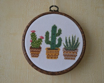 Cactus Hoop Art / Embroidery Hoop Art / Hand Embroidered Cactus / Gift / Wall decor / Modern Cross Stitch / Made To Oder