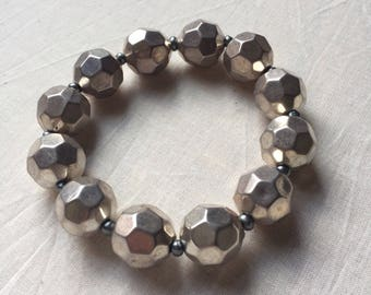 Chunky Geometric Metallic Beaded Stretch Bracelet