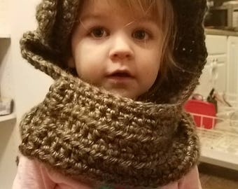 Crochet Toddler Cowl