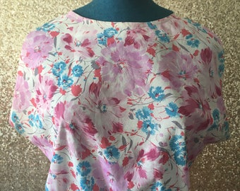 vintage pink and blue floral boxy cropped top