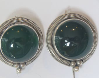 Vintage Sterling Silver Green Stone Rock in Silver Setting  Earrings