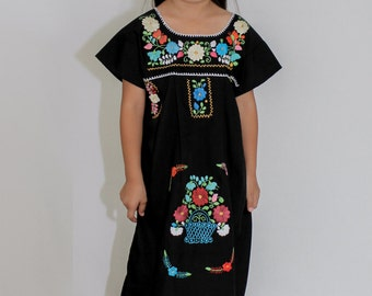 Girl Mexican peasant dress hand embroidered - Various colors 100% cotton (manta)