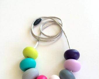 Silicone Teething Necklace / Nursing Necklace