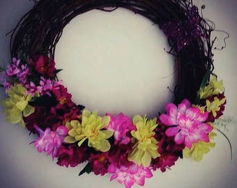 Dahlia Grapevine Floral Wreath
