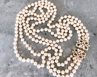 Vintage pearls with blingy rhinestone clasp, vintage pearl necklace, bridal pearls, pearl necklace, vintage bridal, 1980's, bling