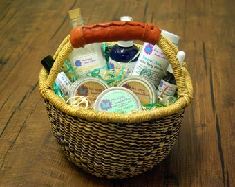 Natural Baby Care Gift Basket - Eco Friendly Baby Shower Gifts -  Eco Friendly packaging