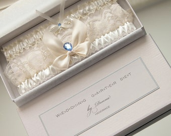 wedding garter set in box, something blue garter set, garter with something blue, something blue for bride, ivory garter set, gift for bride