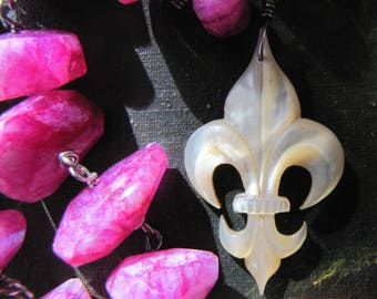 French Mother of Pearl Fleur de Lis