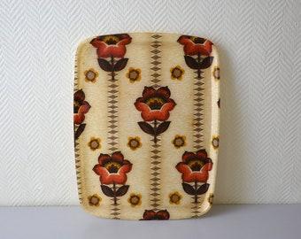 Vintage fiberglass serving Tray / 70s flower pattern