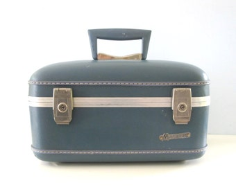 Vintage Mid Century Blue Monarch Train Case