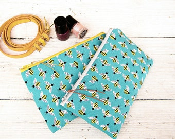 Women zippered make-up kit Bee makeup bag Green cloth wallet Animal purse Fabric make up bag organizer Travel clutch wallet Gifts her women