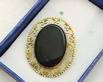 Vintage CC Curtis Creations Mid Century 12K Gold Fill Onyx Filigree Oval Combination Brooch and Pendant Jewelry Piece