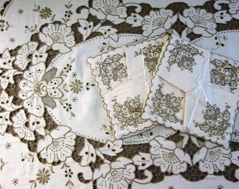 """Madeira Linen Tablecloth Set 10 Napkins Hand Emboidered Banquet Table Cloth Rectangle Table Linens Embroidery 66"""" x 105"""" Vintage Linens"""