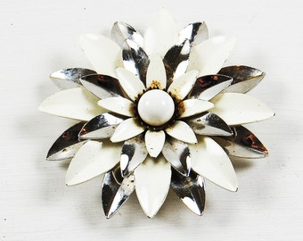 Vintage Sarah Coventry Enamel and Metal Flower Brooch Silver and White
