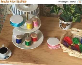 SALE Miniature Spools of Thread, Small Size, Dollhouse Miniatures, 1:12 Scale, Crafts, Packaged Set of 5 Spools, Assorted Colors, Sewing Thr