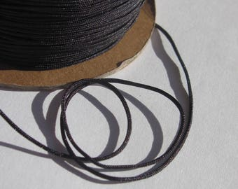 1 m of thread for jewelry, cotton and polyester 1 mm thick approximately (60)