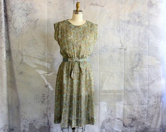 early 1960s Betty Hartford dress with original belt . sheer floral box pleat shirtwaist dress 50s 60s, womens size medium