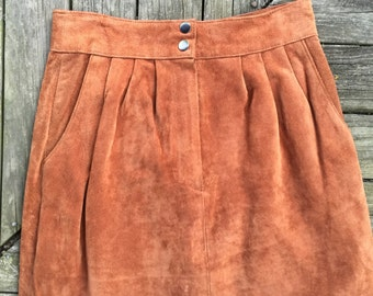 90's suede leather skirt size 9 (fits today's 4/6)