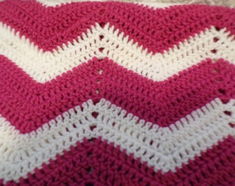 Beautiful Pink and White Crochet Blanket - Ripple