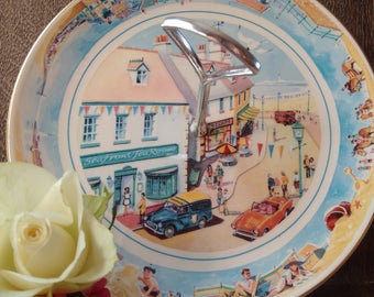 Vintage Masons for Ringtons 'Seaside Days' Cake Stand & Holder // cute typical English Seaside images // unusual gorgeous cake stand