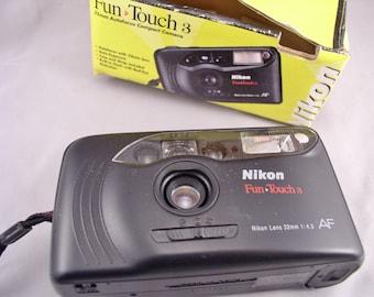 Vintage NIKON Fun Touch 3 35mm auto-focus Camera in original Box - Vintage Camera