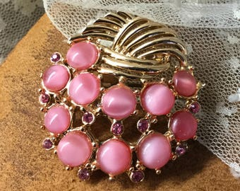 So Feminine Pink Moonglow Cabochons Pink Rhinestones Gold Tone Round Brooch Pin 1950's 1960's Unsigned Round Circular Feminine Woman