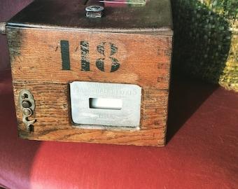 Oak/brass Pigeon calling box ,marked : Constateur Plasschaert Frere Wachtebeke Belgique