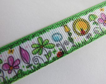 Pretty green and White Ribbon flower